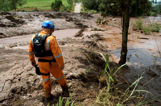 Governo federal deve rever licenciamento de barragens após tragédia em