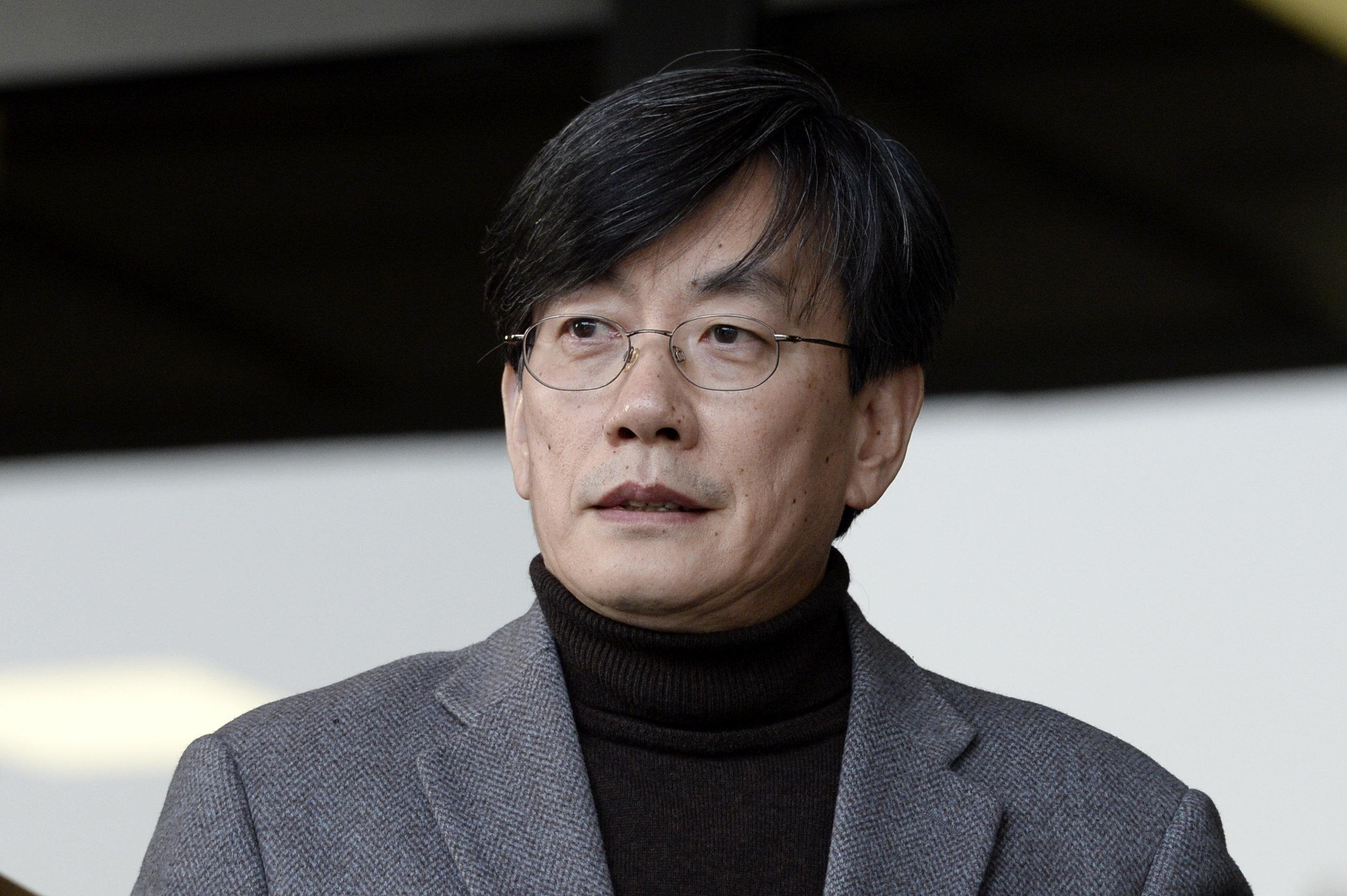 손석희 대표이사가 폭행 의혹과 관련해 팬카페에 글을