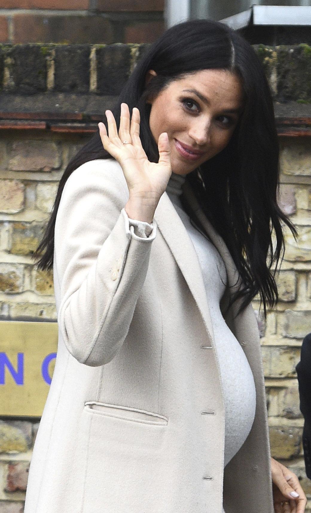 Φοράει η Μέγκαν Μάρκλ ψεύτικη κοιλιά εγκυμοσύνης; Οι φήμες