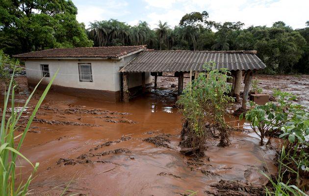 Sob risco de rompimento de outra barragem, moradores de Brumadinho são acordados com