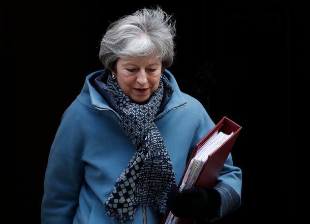 Theresa May espera que las enmiendas sobre la renegociación sobre Irlanda la ayuden a obtener concesiones...