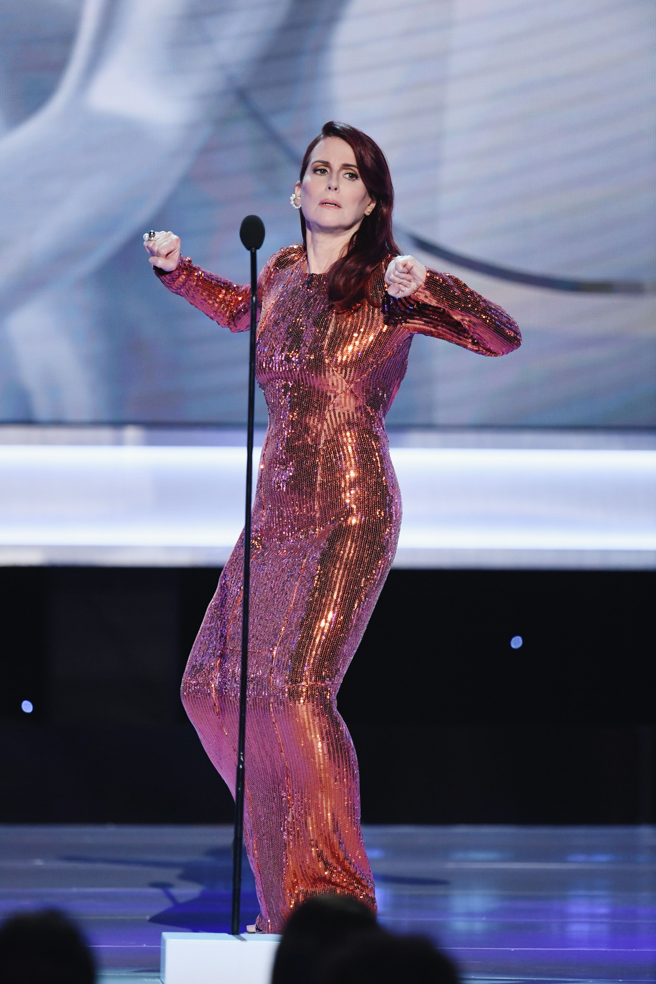 Megan Mullally Makes Hosting Look Easy With SAG Awards