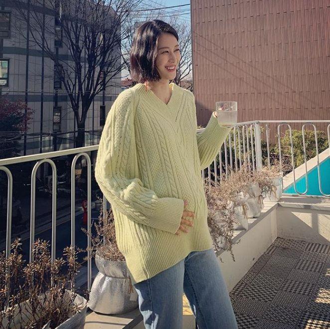 모델 이현이가 둘째 임신 소식을
