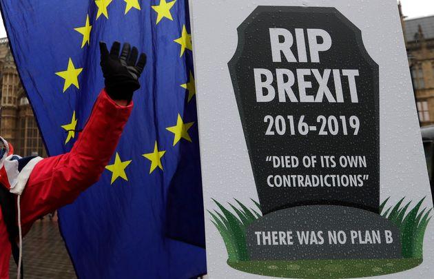 영국 런던 의사당 앞에서 열린 브렉시트 반대 시위에 등장한 피켓. 2019년
