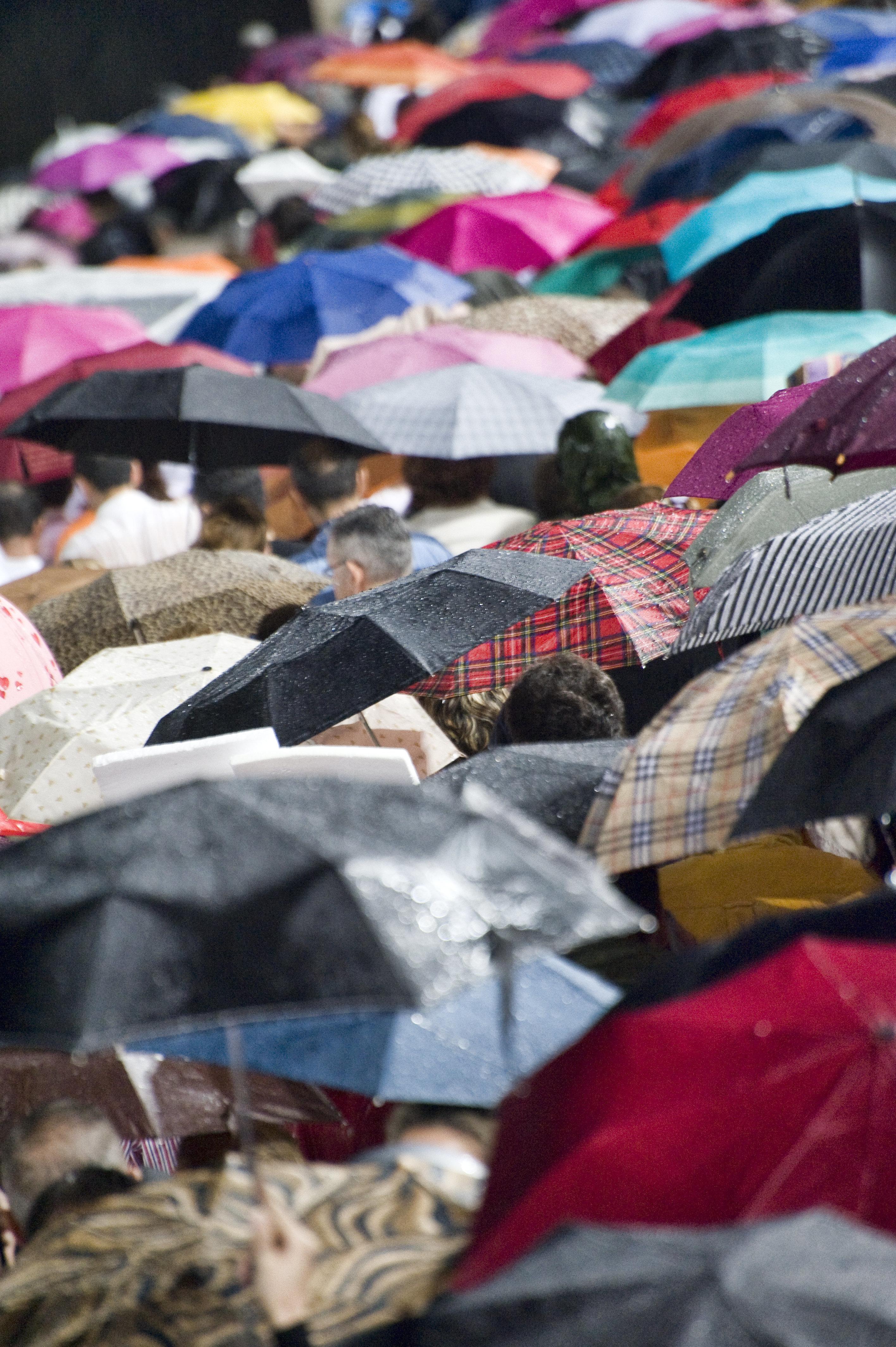 Επιδείνωση του καιρού με βροχοπτώσεις και αφρικανική