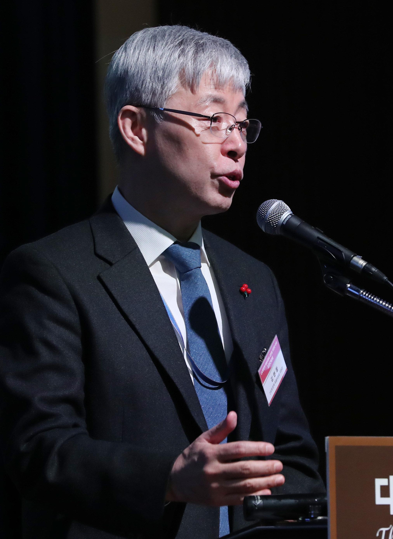 '헬조선' 발언 하루만에 김현철 청와대 보좌관이