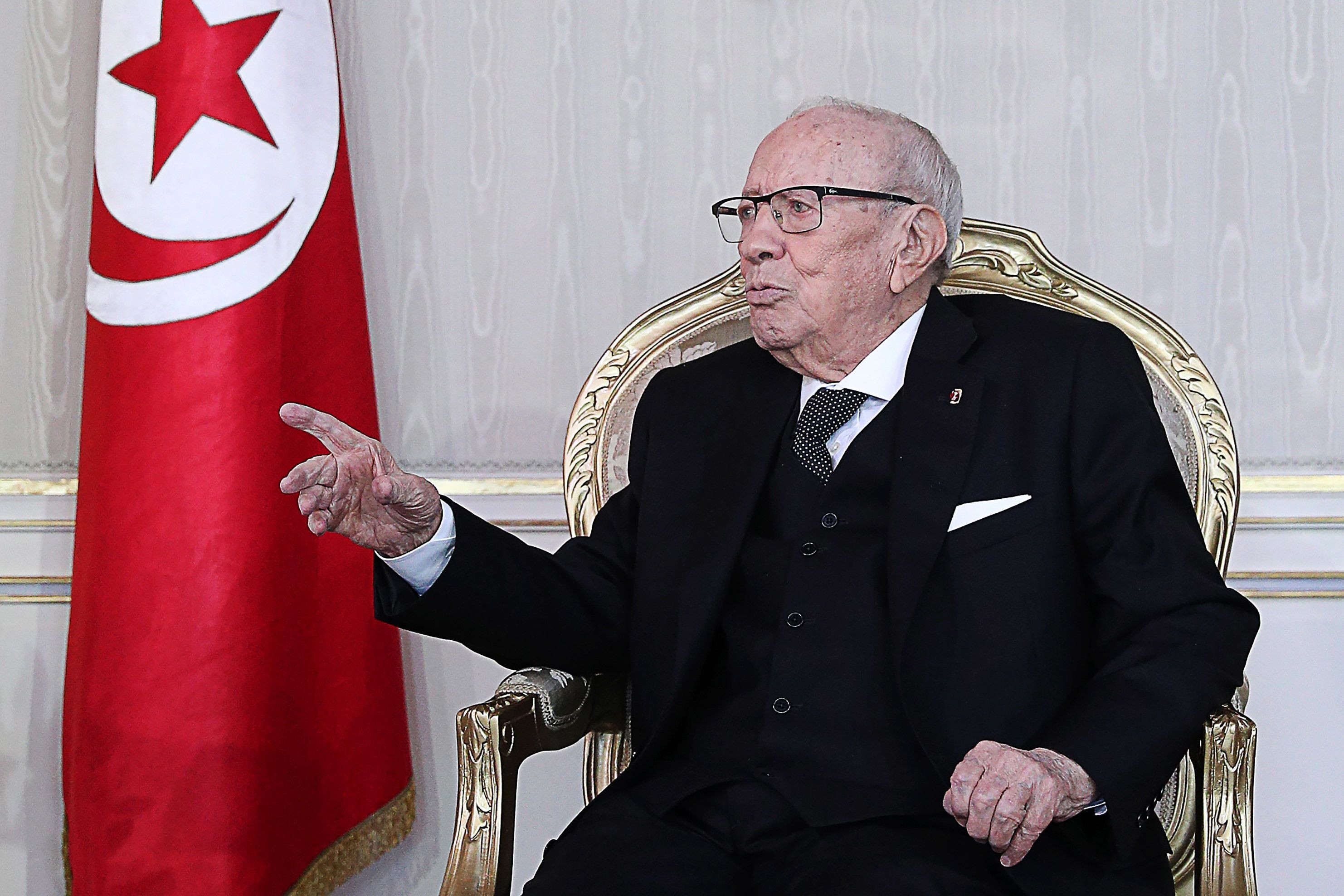 Béji Caid Essebsi met, par voie de presse, la pression sur Ennahdha dans l'affaire de l'appareil