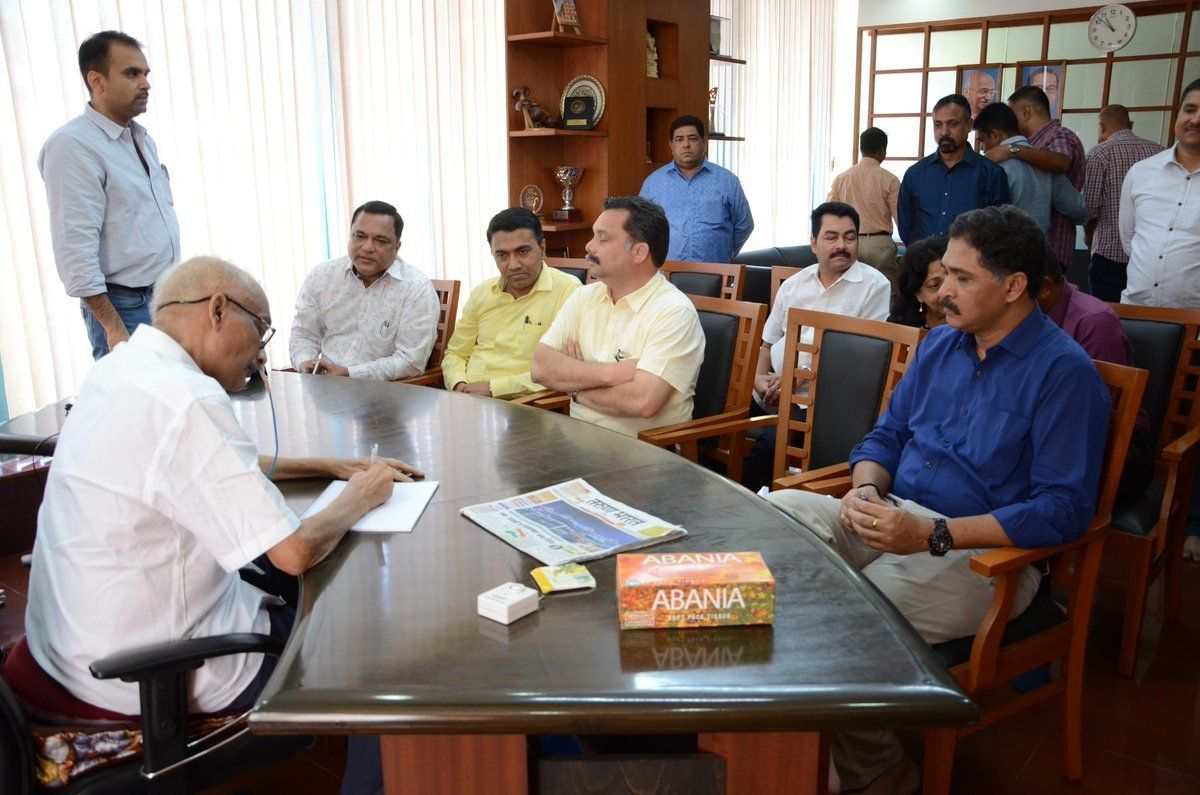 Manohar Parrikar Says Rahul Gandhi Used Courtesy Visit For 'Petty Political