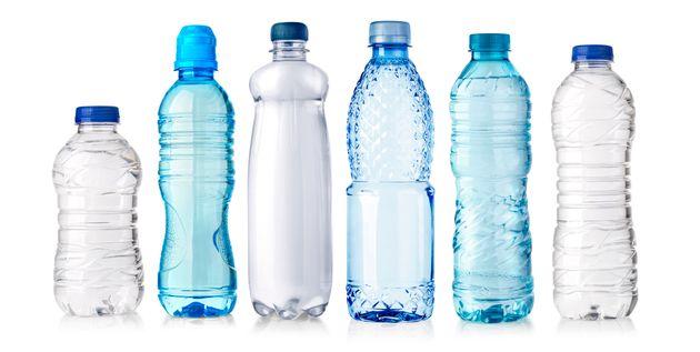 Por que você nunca deve beber água que passou da