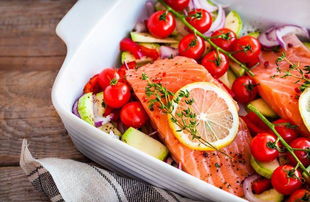 Ricos em cálcio, peixes aliviam sintomas da