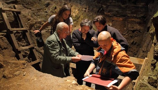 Η Ελληνίδα επιστήμονας πίσω από την ανακάλυψη σημαντικών ευρημάτων σε σπήλαιο στη