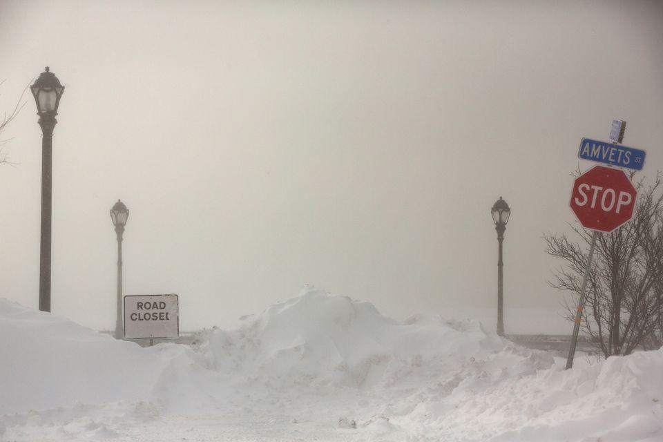 Τα πάντα μετατράπηκαν σε πάγο στο πέρασμα του Polar Vortex από τις