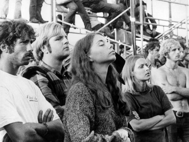 Η Τζοάν Μπαέζ θυμάται το Γούντστοκ: «Σταμάτα να μιλάς και