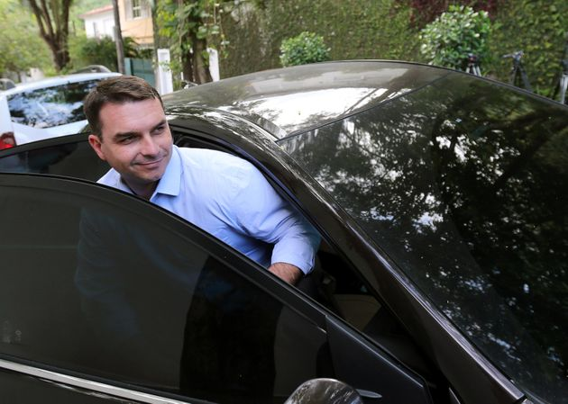 STF nega pedido de foro privilegiado a Flávio Bolsonaro em investigação sobre