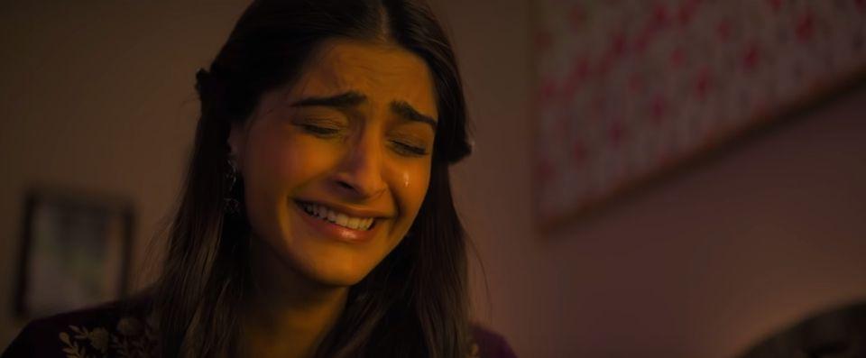 You'd Be Silly To Not Watch Sonam Kapoor's 'Ek Ladki Ko Dekha To Aisa Laga' With