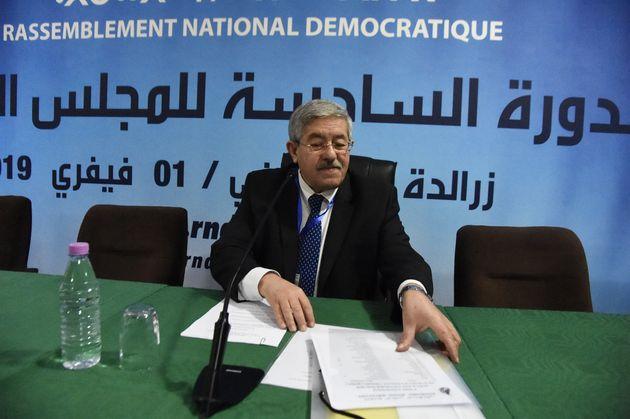 Ouyahia: les militants du RND mobilisés pour le succès de la campagne électorale au profit de M. Abdelaziz
