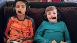 H συγκινητική ιστορία φιλίας δύο ιδιαίτερων αγοριών, που παίζουν στη διαφήμιση του