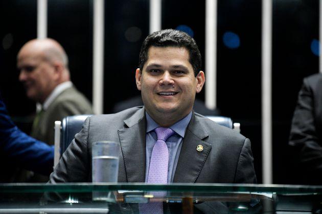 Davi Alcolumbre derrubou decisão da Secretaria-Geral da Mesa do Senado, que delegava a condução...