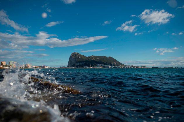 Der Affenfelsen von Gibraltar: Ein Streitpunkt im