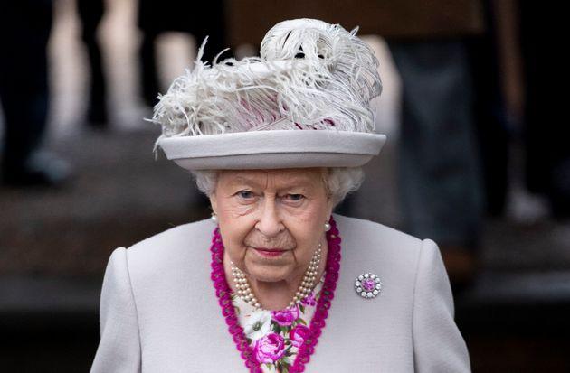 Royals: Queen wäre fast aus Buckingham Palast ausgezogen – wegen