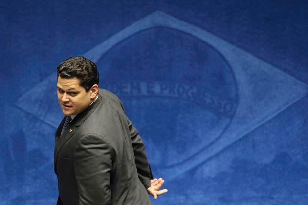 Novo presidente do Senado, Davi Alcolumbre salvou Aécio