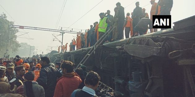 6 Passengers Killed As 11 Coaches Of Seemanchal Express Derail In