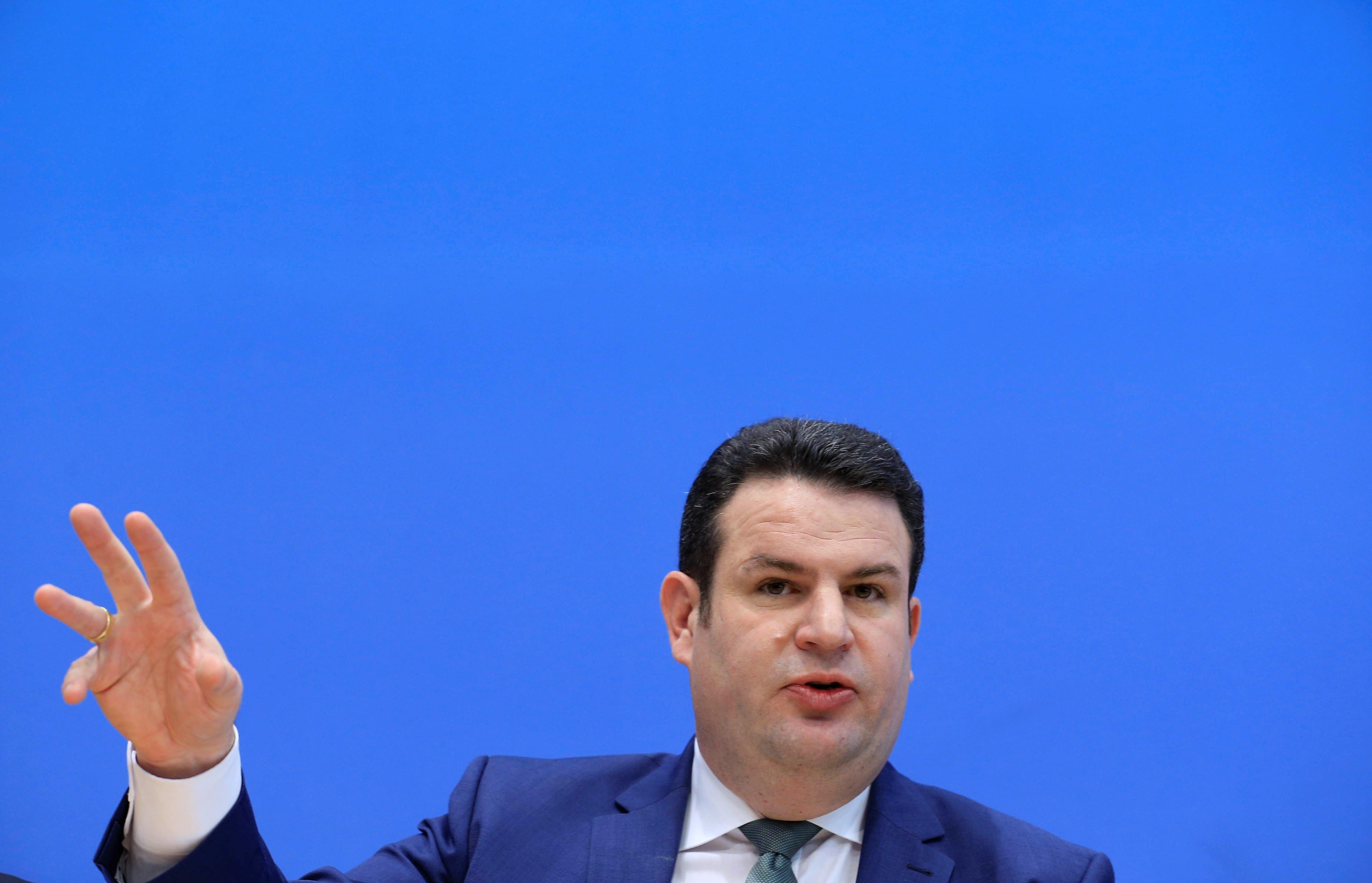 Hubertus Heil verspricht fast 500 Euro für