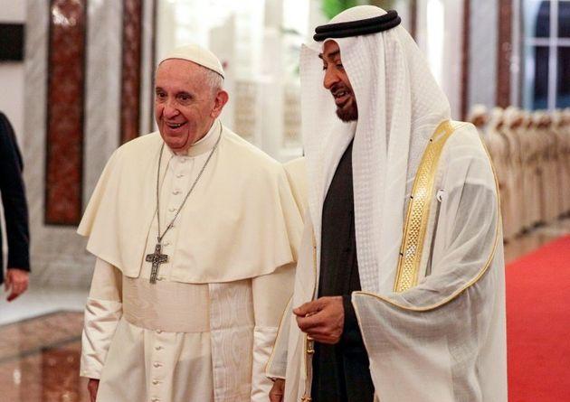 Le pape François et le prince héritier d'Abou Dhabi Mohammed ben Zayed al-Nahyane à...