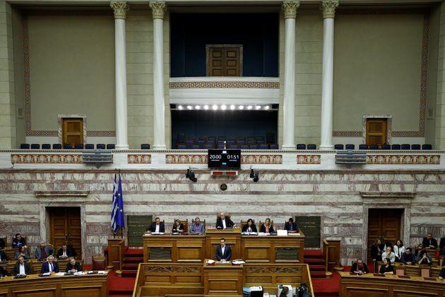 Εμμεση προσχώρηση των έξι ανεξαρτήτων βουλευτών στον