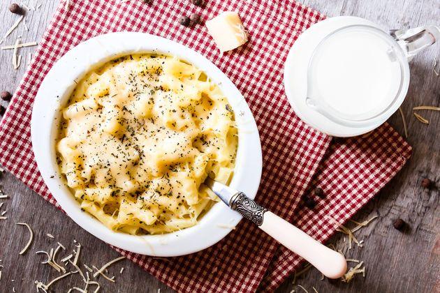 Perguntamos a especialistas sobre os melhores e piores queijos para usar em um mac and
