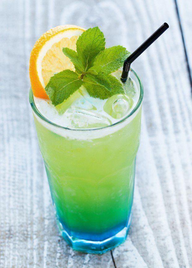 O drink Canarinho tem sucos de abacaxi e