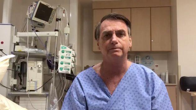 O presidente Jair Bolsonaro, em vídeo divulgado em seu perfil no Twitter um dia antes da cirurgia,...
