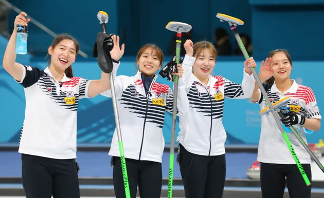 국가대표 춘천시청 여자 컬링팀. 왼쪽부터 양태이, 김민지, 김혜린,