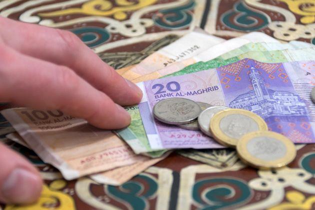 Laâyoune: Un brigadier de police arrêté en flagrant délit de perception d'argent pour