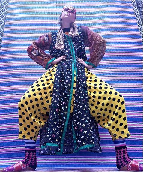 À Marrakech, Maria Sharapova prend la pose pour Hassan