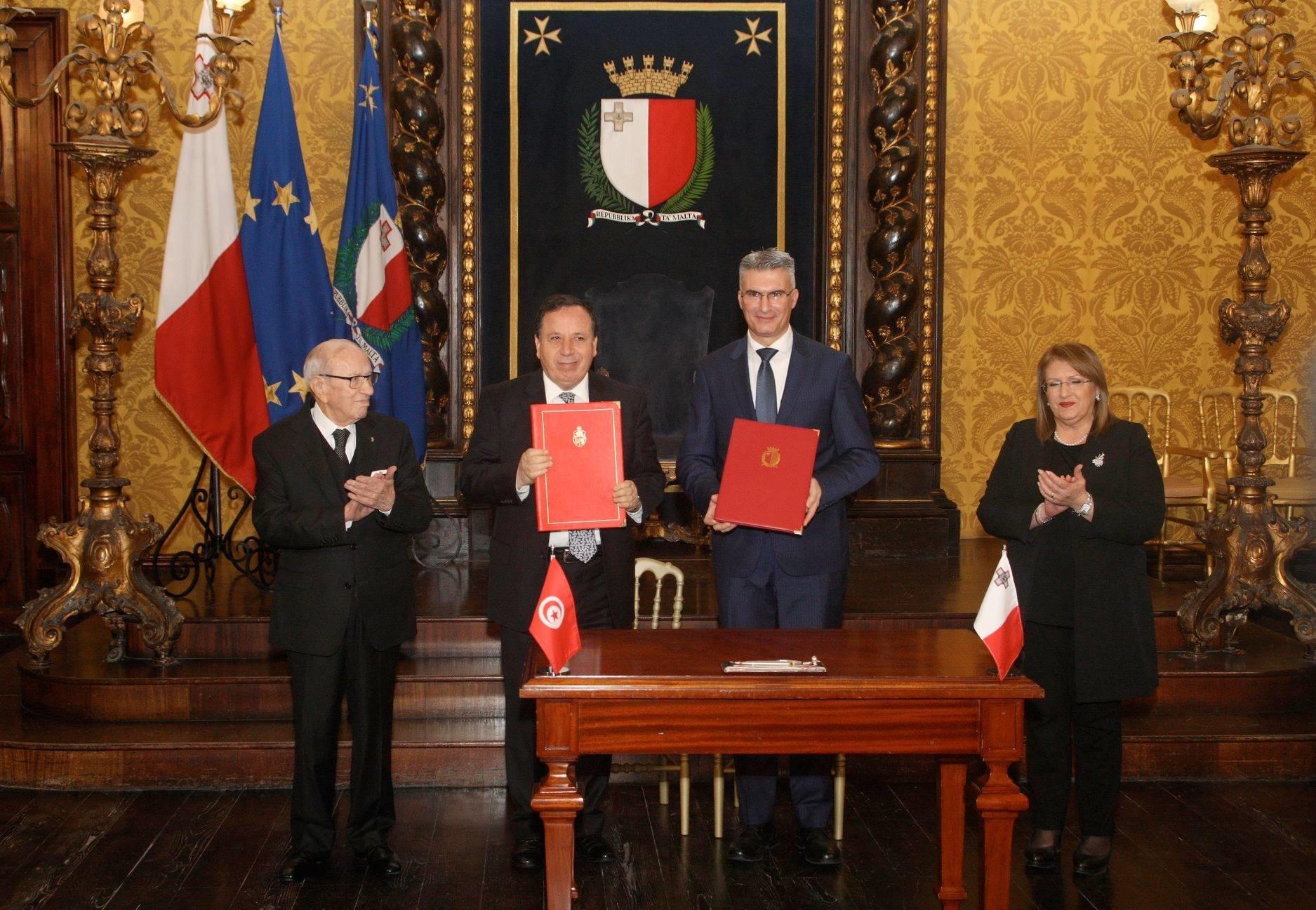 Signature de quatre accords de coopération entre la Tunisie et