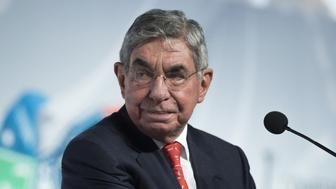 Oscar Arias, President of the Arias Foundation, Nobel Peace Prize Laureate and former president of Costa Rica, attends the Arms Trade Treaty meeting in Cancun August 24, 2015. Signatories of the treaty, aimed at regulating the international arms trade, should agree a number of key steps for its implementation at a conference this week, host nation Mexico said on Sunday. REUTERS/Victor Ruiz Garcia