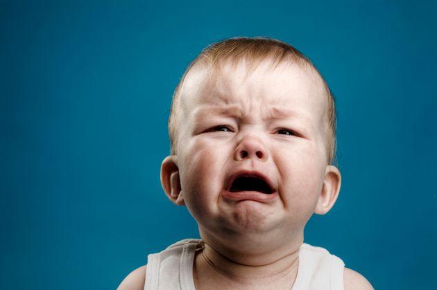 Πώς κάνουν τα μωρά να κλαίνε στην τηλεόραση (όχι, δεν τα