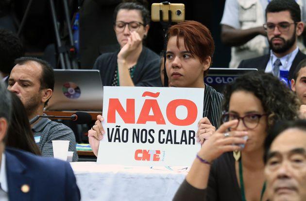 Contra Escola sem Partido, oposição apresenta projetos Escola Livre e Escola sem