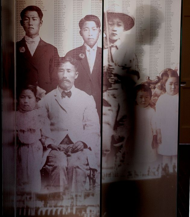 자료사진: 2003년 미국 캘리포니아 LA의 한국계 미국인 이민사 박물관에 전시된 1세대 이민자들의