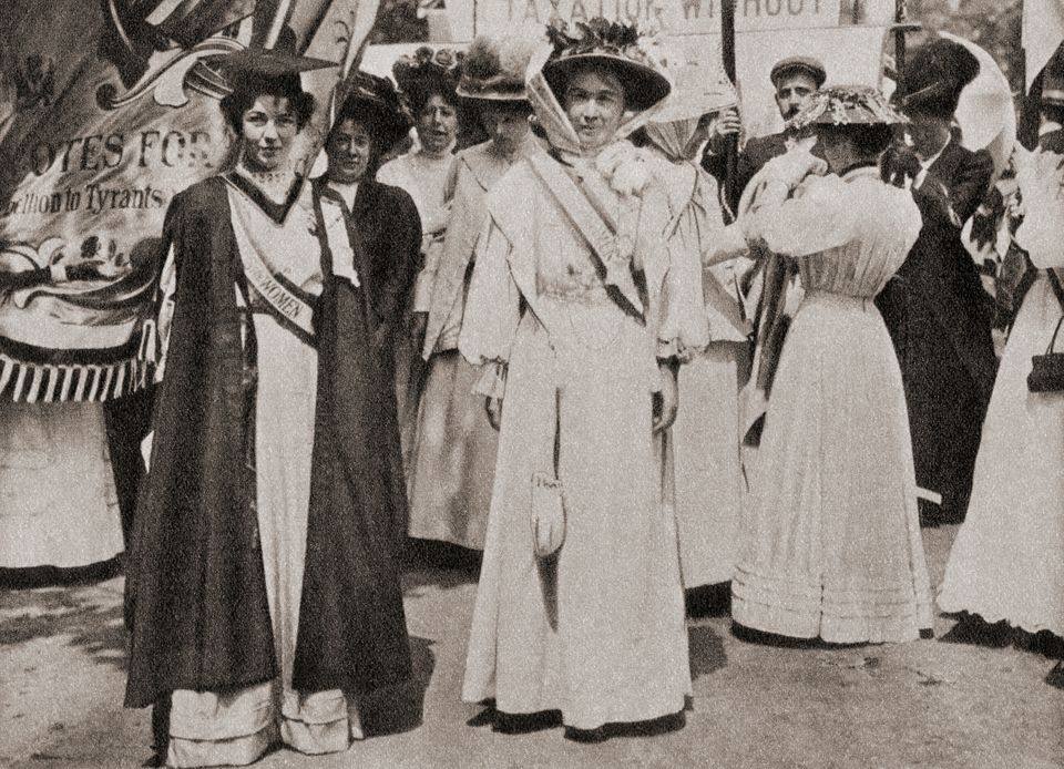 에멀린 페틱-로렌스(1867-1954)와 에멀린 팽크허스트(1858-1928)는 여성사회정치연합(WSPU)을 이끈 두 지도자였다. 1903년 설립된 이 단체는 영국에서 여성 참정권...