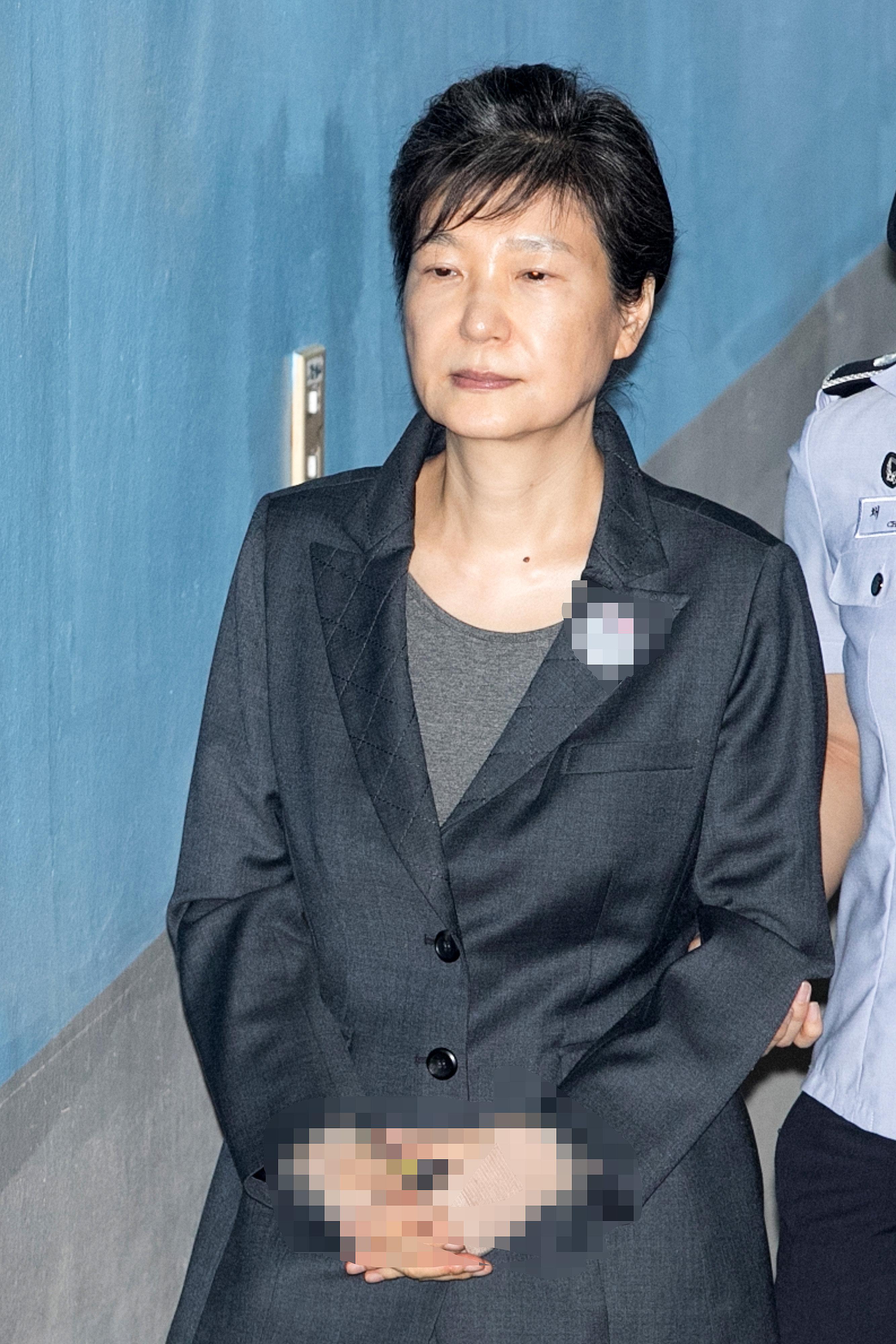 박근혜 전 대통령의 구속 기간이 4월 16일까지