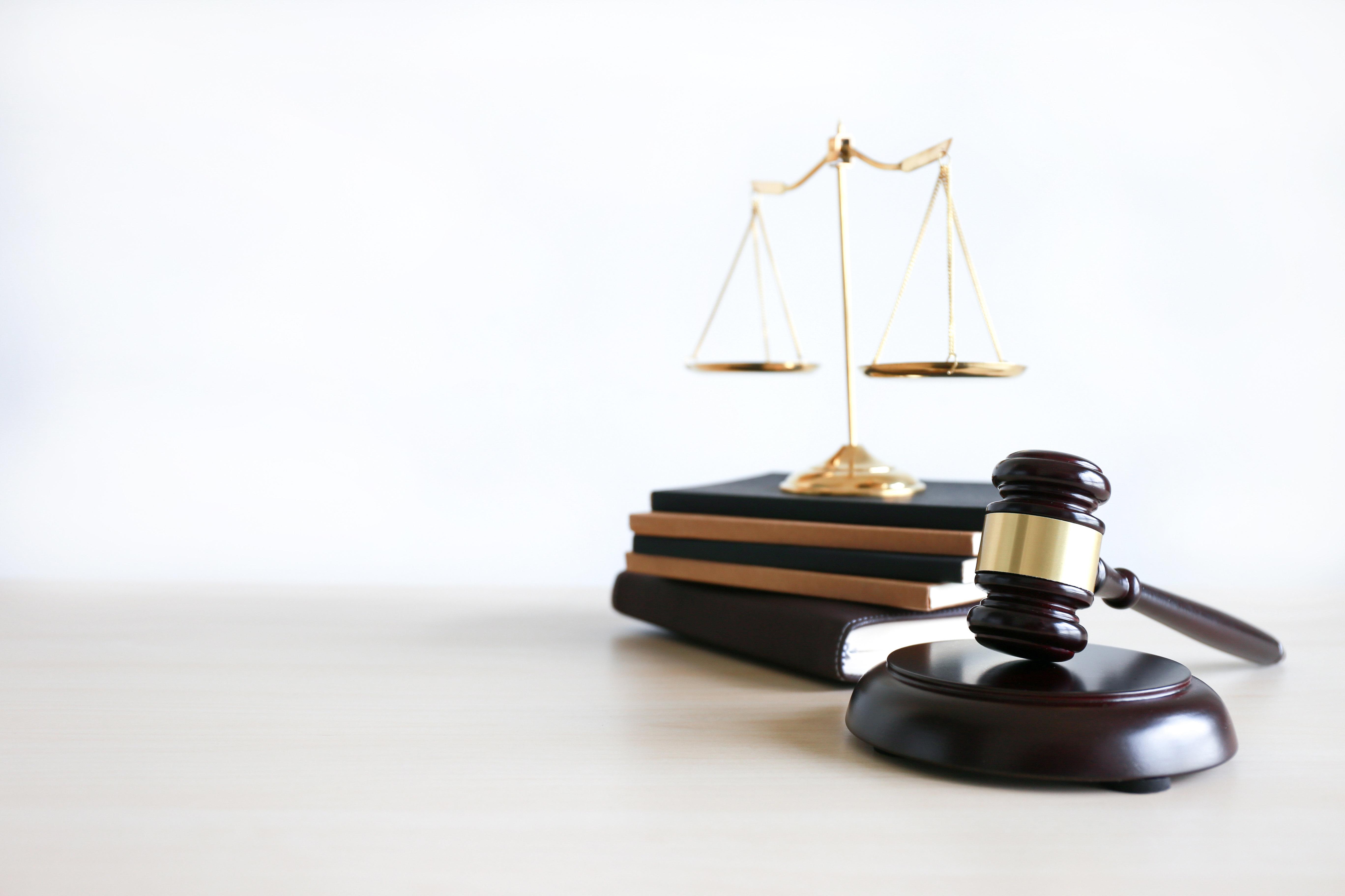 """Des avocats lancent l'initiative """"Avocats contre la mainmise frériste"""