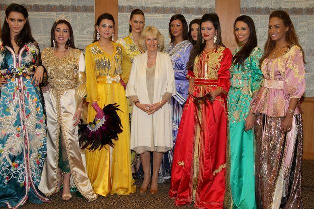 Camilla, l'épouse du prince Charles, en caftan marocain pour un dîner officiel à Buckingham