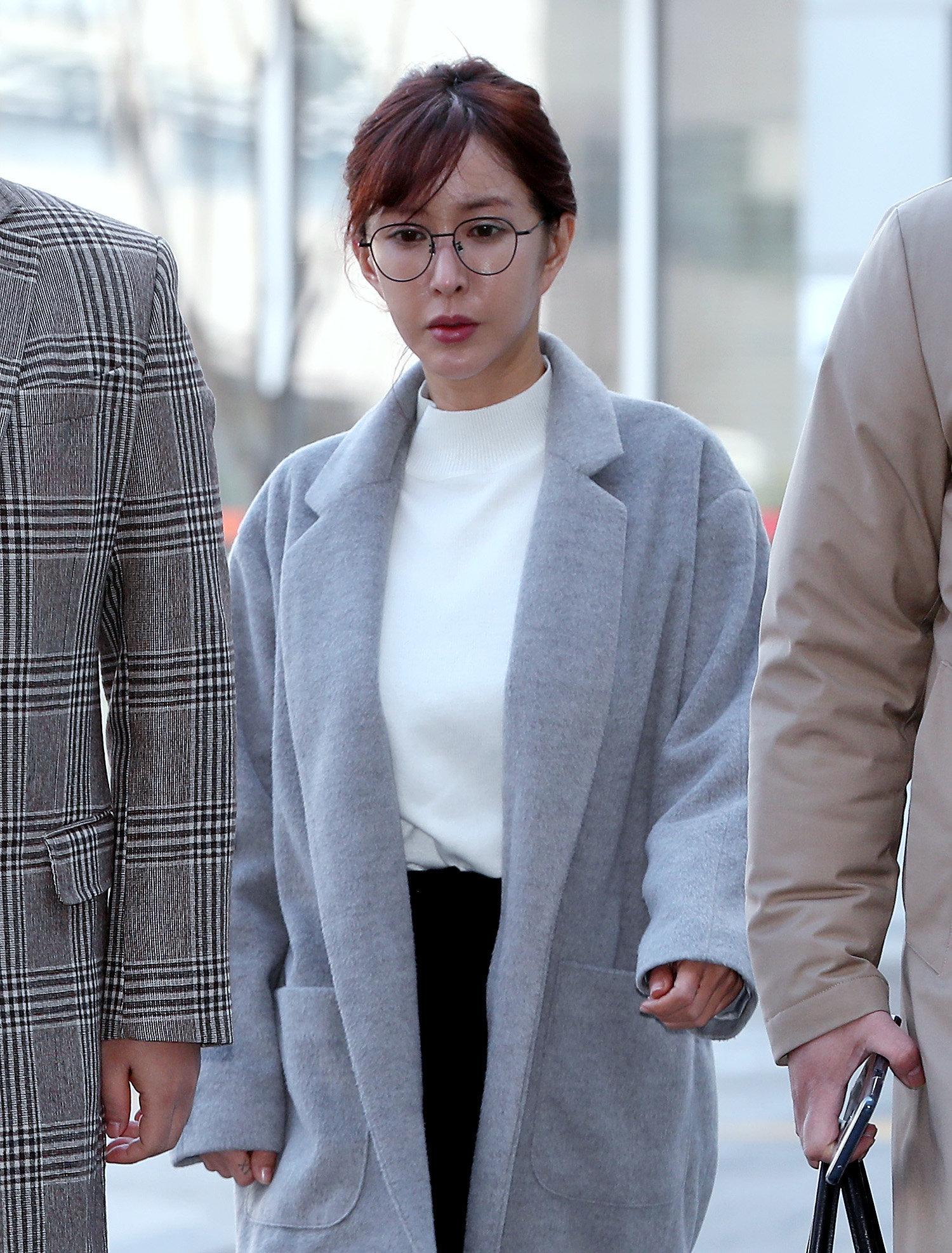 슈 '상습 도박' 징역 1년 구형