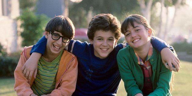 Os hoje quarentões Josh Saviano,Fred Savage e Danica McKellar quando estrelavam a série...
