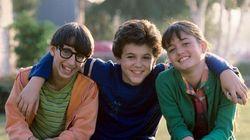 Foto mostra o trio de 'Anos Incríveis', hoje quarentões e