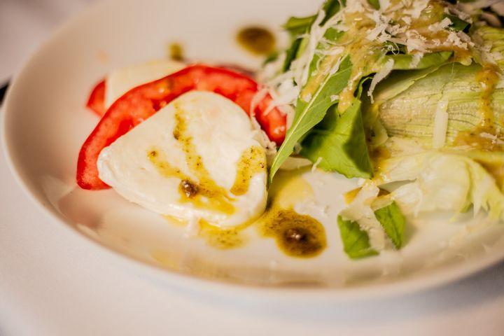 Salada da Tratoria do Rosário é a entrada sugerida pelo restaurante.