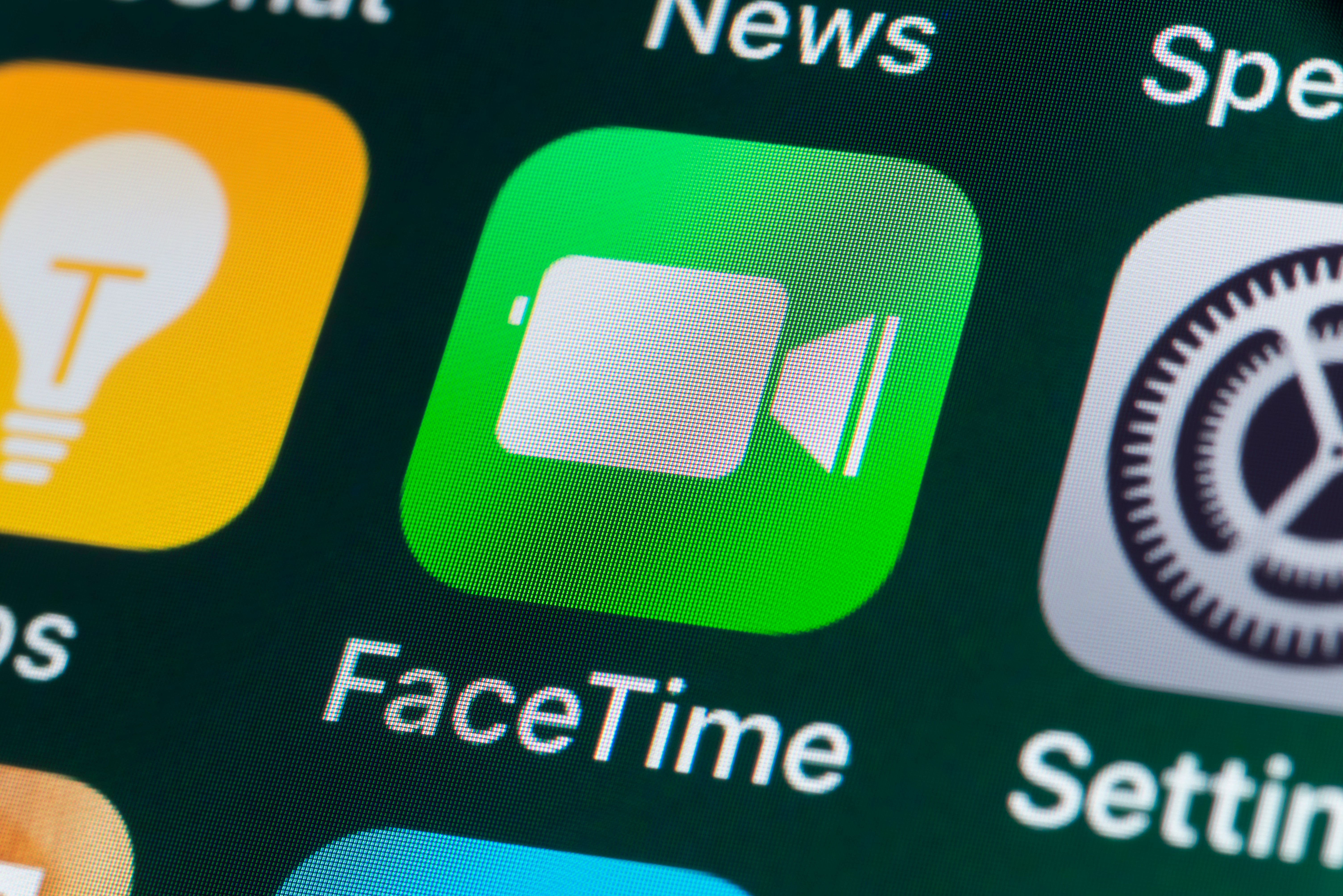 Apple Releases Fix for Group FaceTime Snooping Bug in iOS and macOS