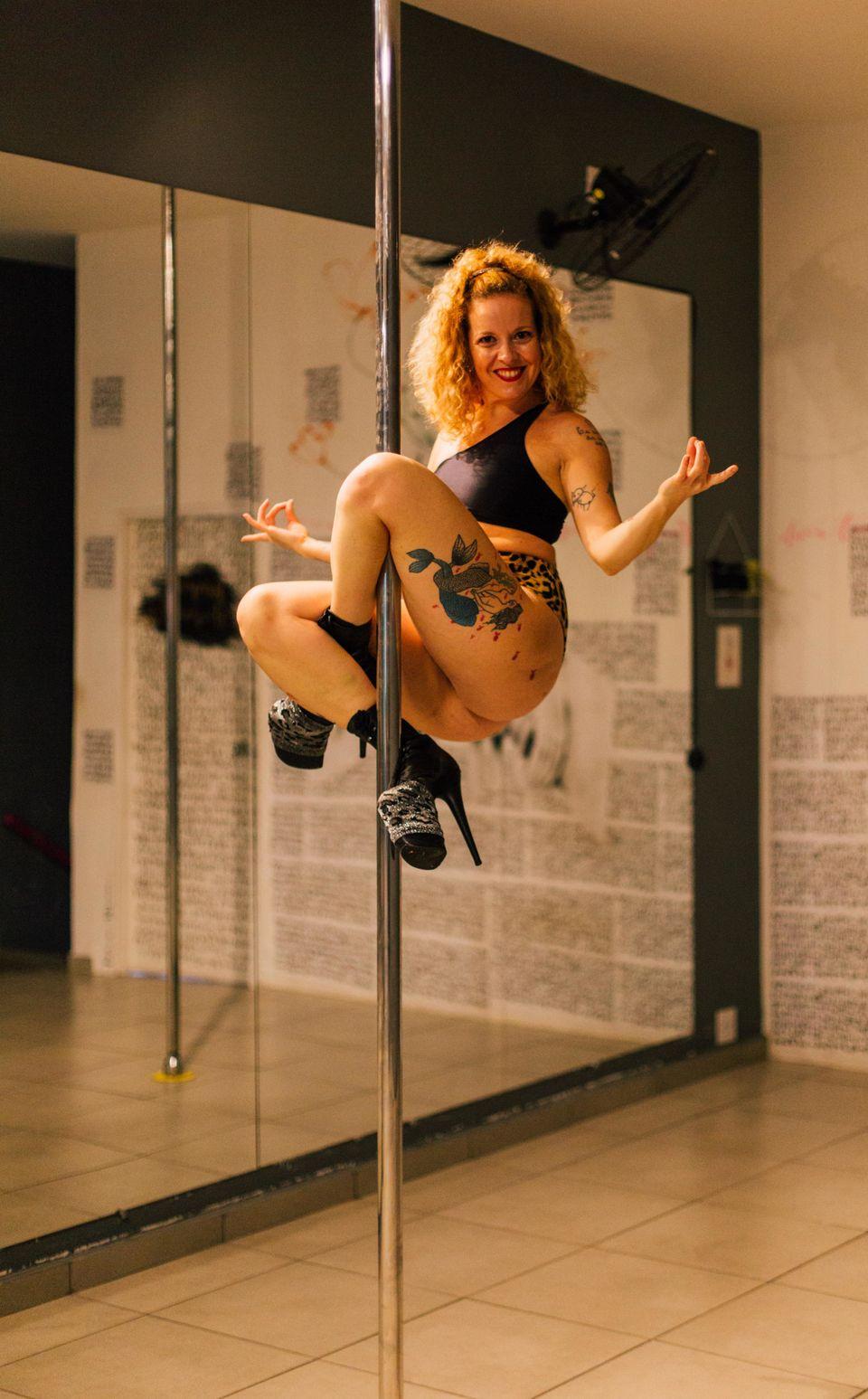 Ela é atriz, empresária, professora de pole dance e idealizadora do Maravilhosas Corpo...